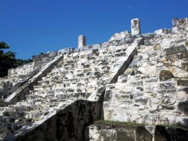 Ruinas de San Miguelito y Museo Maya de Cancún