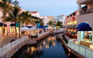De compras hasta el cansancio en Cancún
