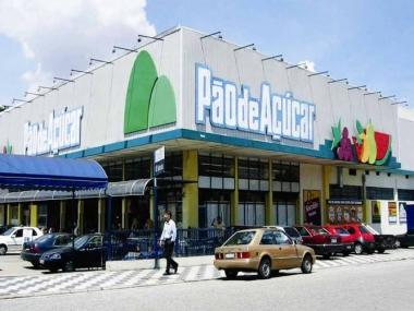 Vende tienda de autoservicio brasileña paquetes de viajes a Cancún