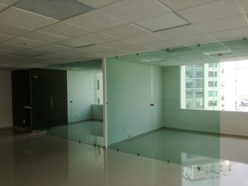 Oficina en un Edificio Corporativo Interlomas